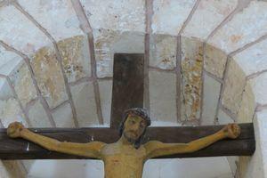 christ-sur-la-croix-eglise-de-crucheray